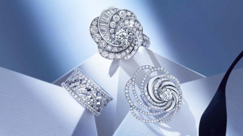How De Beers holiday email campaigns shine in the inbox